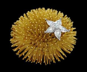 Gold & diamonds Product Photography